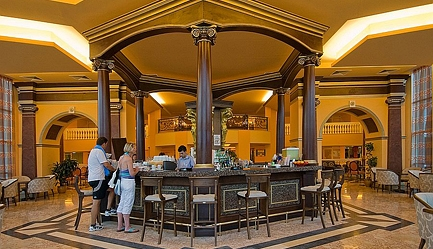Vacanta de vis si relax total la <b>Duni Royal Resort - Hotel Marina Beach 5*</b>! Cumpara <b>voucherul de 22 ron</b> si <b>platesti doar 429 euro/persoana in camera dubla</b> in loc de 484 euro, pentru <b>un sejur de 7 nopti, all inclusive</b>. Copii sub 13 ani gratuit!, Poza 1