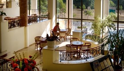 Vacanta in <b>Duni Royal Resort - Hotel BelleVille 4*</b>! Cumpara <b>voucherul de 25 ron</b> si <b>platesti doar 270 euro/persoana in camera dubla</b> in loc de 330 euro, pentru <b>un sejur de 5 nopti, all inclusive</b>. Copii sub 13 ani gratuit!, Poza 1