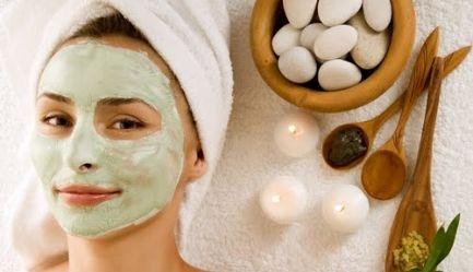 Ai grija de tenul tau! Salonul Sofisticat iti ofera un tratament cosmetic complet cu <b>produse elvetiene Floritene</b> (<b>Vaporizare, Extractie, Ionizare, Masaj, Masca, Crema hidratanta, Epilare Mustata</b>) cu <b>numai 39 RON</b> in loc de 90 RON. <b>Reducere 57%</b>, Poza 1