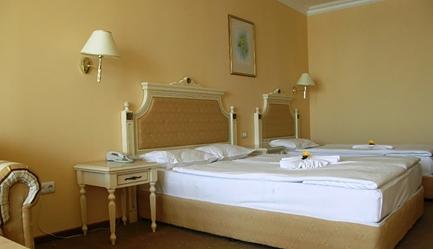 Vacanta de vis si relax total la <b>Duni Royal Resort - Hotel Marina Beach 5*</b>! Cumpara <b>voucherul de 20 ron</b> si <b>platesti doar 369 euro/persoana in camera dubla</b> in loc de 420 euro, pentru <b>un sejur de 7 nopti, all inclusive</b>. Copii sub 13 ani gratuit!, Poza 3