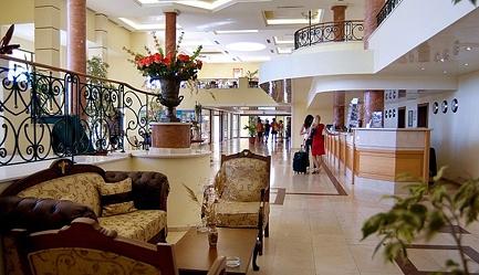 Vacanta in <b>Duni Royal Resort - Hotel BelleVille 4*</b>! Cumpara <b>voucherul de 17 ron</b> si <b>platesti doar 220 euro/persoana in camera dubla</b> in loc de 260 euro, pentru <b>un sejur de 5 nopti, all inclusive</b>. Copii sub 13 ani gratuit!, Poza 3