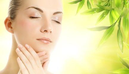 Ai grija de tenul tau! Salonul Sofisticat iti ofera un tratament cosmetic complet cu <b>produse elvetiene Floritene</b> (<b>Vaporizare, Extractie, Ionizare, Masaj, Masca, Crema hidratanta, Epilare Mustata</b>) cu <b>numai 39 RON</b> in loc de 90 RON. <b>Reducere 57%</b>, Poza 3