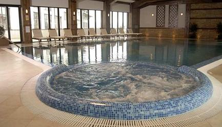 Petrece <b>revelionul in Bulgaria</b> la ski - statiunea Bansko, <b>Hotel Lion 4*</b>! Cumpara <b>voucherul de 30 ron</b> si <b>platesti doar 285 euro/persoana in camera dubla</b> in loc de 360 euro, pentru <b>un sejur de 5 nopti, cu demipensiune + cina festiva</b>. Copii sub 2 ani gratuit!, Poza 4
