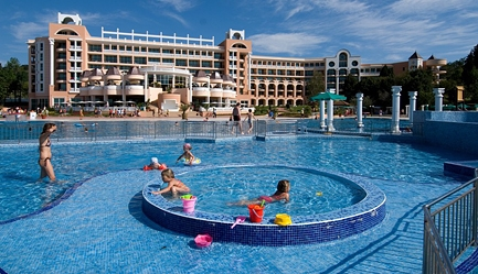 Vacanta de vis si relax total la <b>Duni Royal Resort - Hotel Marina Beach 5*</b>! Cumpara <b>voucherul de 22 ron</b> si <b>platesti doar 429 euro/persoana in camera dubla</b> in loc de 484 euro, pentru <b>un sejur de 7 nopti, all inclusive</b>. Copii sub 13 ani gratuit!, Poza 5