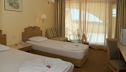 Vacanta in <b>Duni Royal Resort - Hotel BelleVille 4*</b>! Cumpara <b>voucherul de 25 ron</b> si <b>platesti doar 270 euro/persoana in camera dubla</b> in loc de 330 euro, pentru <b>un sejur de 5 nopti, all inclusive</b>. Copii sub 13 ani gratuit!, Poza 5